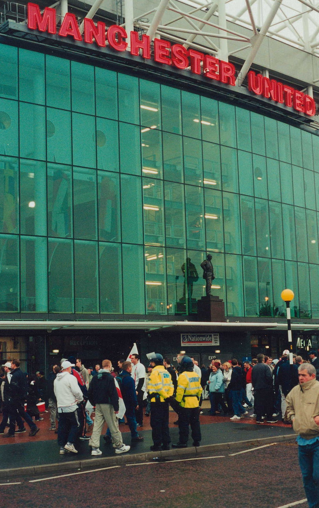 Fans at Old Trafford have seen Manchester United fail to take advantage of Chelsea's stumbles.